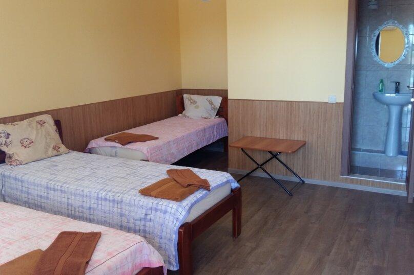 3х местный с ванной комнатой (с доп. местом), Залесная, 13, Новофёдоровка, Саки - Фотография 1