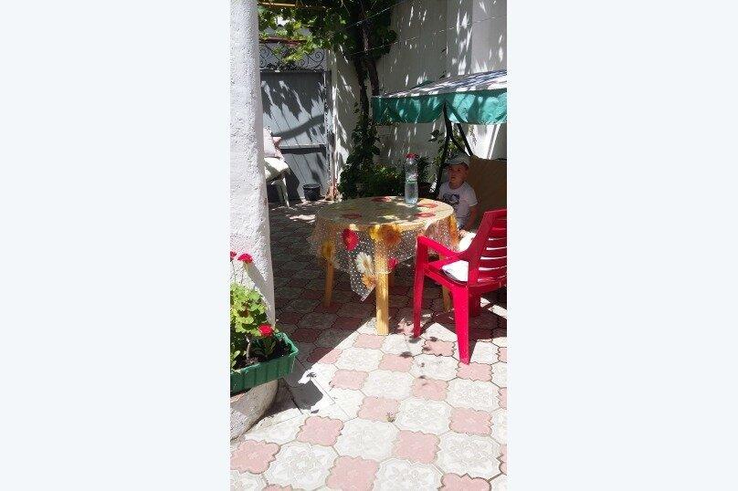 3- х комнатный дом с отдельным двором, 60 кв.м. на 6 человек, 2 спальни, улица Кирова, 12, Евпатория - Фотография 3