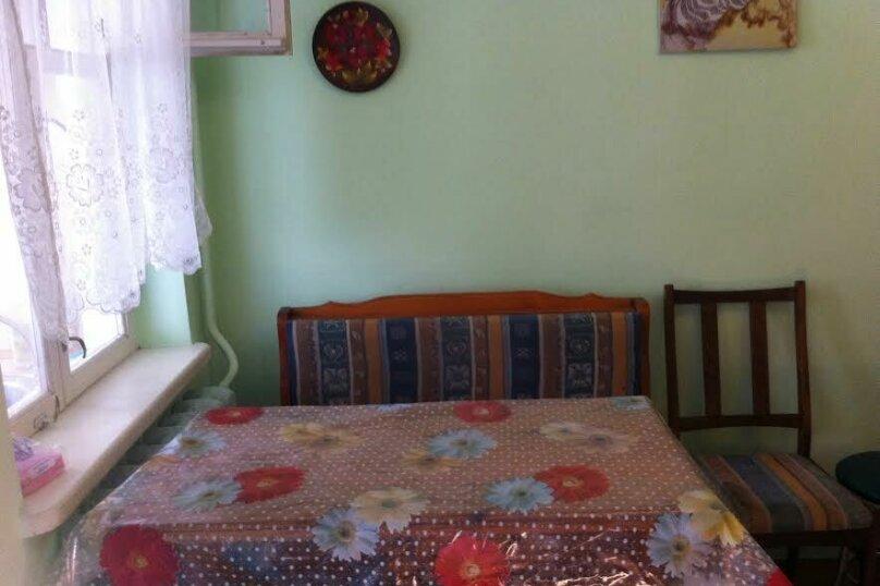 3- х комнатный дом с отдельным двором, 60 кв.м. на 6 человек, 2 спальни, улица Кирова, 12, Евпатория - Фотография 4