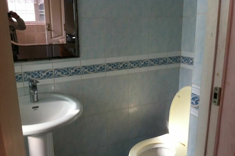3- х комнатный дом с отдельным двором, 60 кв.м. на 6 человек, 2 спальни, улица Кирова, 12, Евпатория - Фотография 9