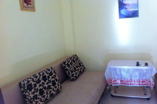 1- но комнатный дом, 30 кв.м. на 3 человека, 1 спальня, улица Кирова, 12, Евпатория - Фотография 1