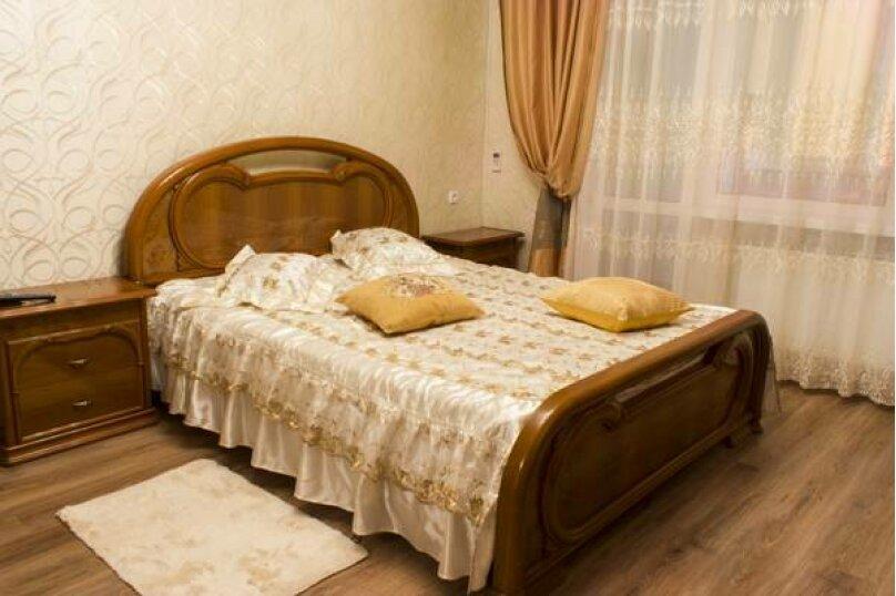 3-комн. квартира, 86 кв.м. на 6 человек, Стахановская, 12 к.1, Ялта - Фотография 2
