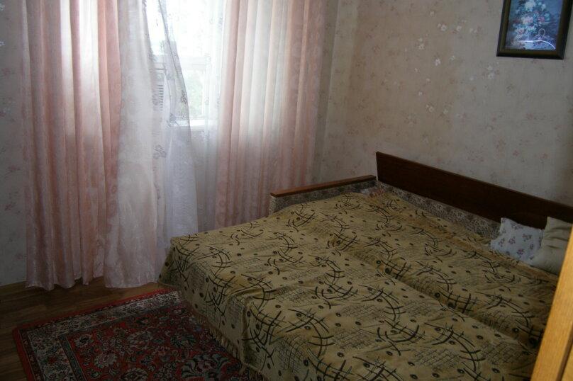 2-комн. квартира на 5 человек, улица Лакоба, 2, Гагра - Фотография 6