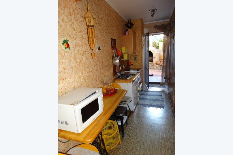 """Гостевой дом """" Судакское шоссе,   4 км"""", Судакское шоссе , 4км на 3 комнаты - Фотография 32"""