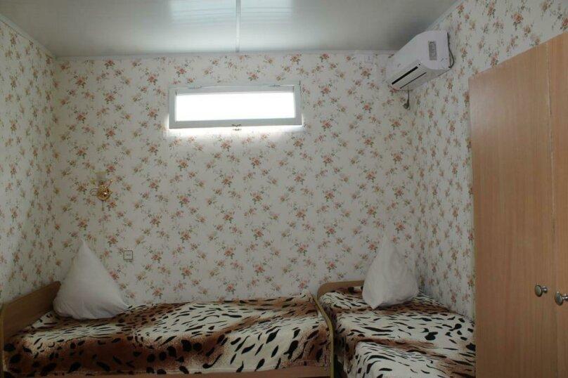 Номер на 4 человека 2 комнаты, кондиционер, гелио система., улица Гагарина, 64, Феодосия - Фотография 2