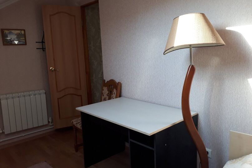 Cдам посуточно уютный дом, 110 кв.м. на 9 человек, 5 спален, улица Луговая, 2, Ейск - Фотография 6