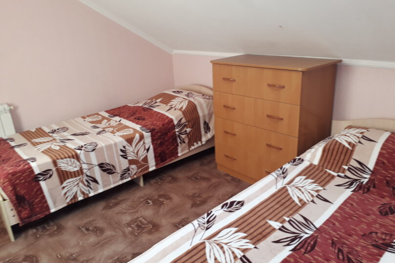 Cдам посуточно уютный дом, 110 кв.м. на 9 человек, 5 спален, улица Луговая, 2, Ейск - Фотография 10