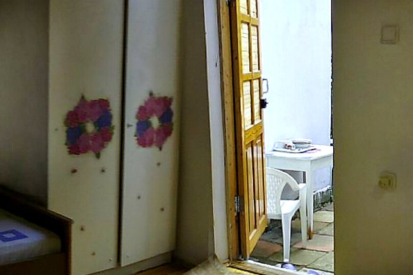 Комната №4, эконом на 1-3 чел., Краснофлотская улица, 21, Алушта - Фотография 4