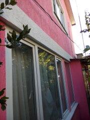 Квартира (двухкомнатная) 1 этаж, Виноградная улица, 4 на 2 номера - Фотография 1