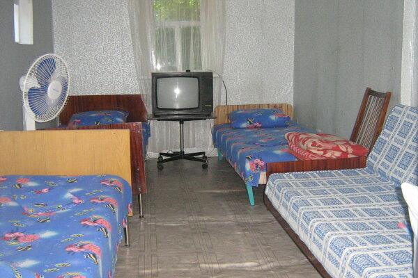Дом эконом-класса для летнего отдыха, 22 кв.м. на 4 человека, 1 спальня, Калинина, 99, Ейск - Фотография 1