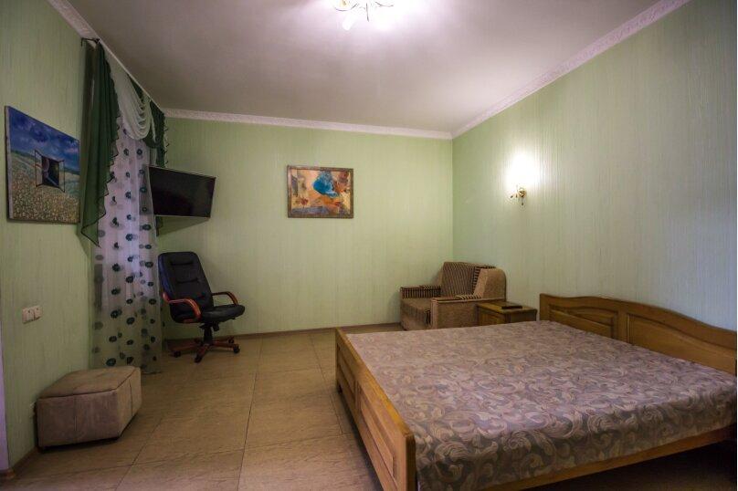 Отдельная комната, улица Ленина, 21, Алушта - Фотография 1