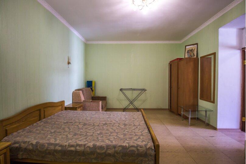 Отдельная комната, улица Ленина, 21, Алушта - Фотография 2