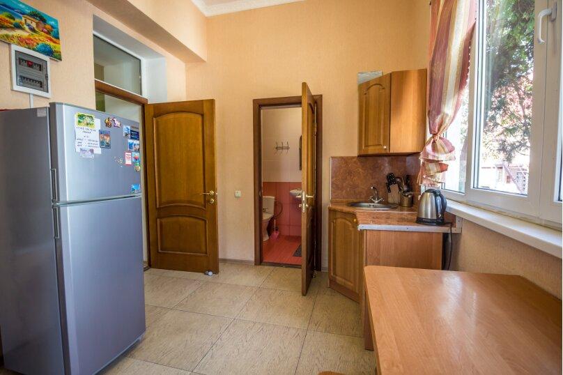 Отдельная комната, улица Ленина, 21, Алушта - Фотография 6