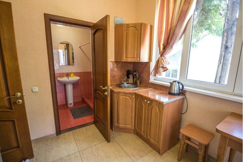 Отдельная комната, улица Ленина, 21, Алушта - Фотография 8