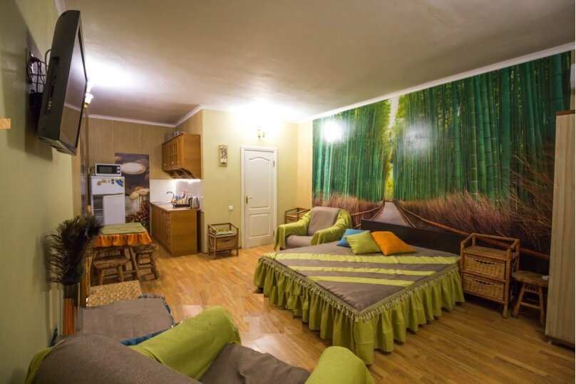 Отдельная комната, улица Ленина, 21, Алушта - Фотография 10