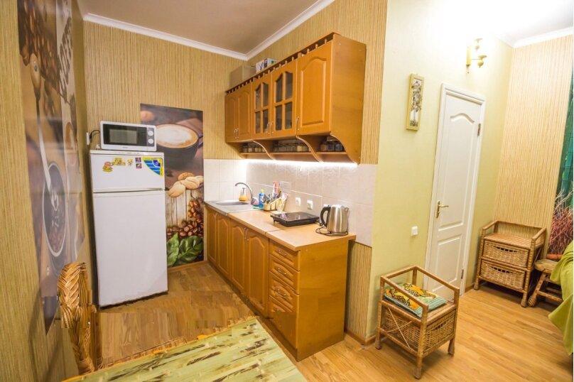 Отдельная комната, улица Ленина, 21, Алушта - Фотография 12