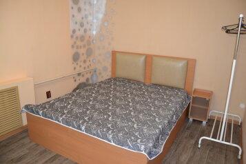 1-комн. квартира, 31 кв.м. на 4 человека, улица Николаева, 17, Смоленск - Фотография 1