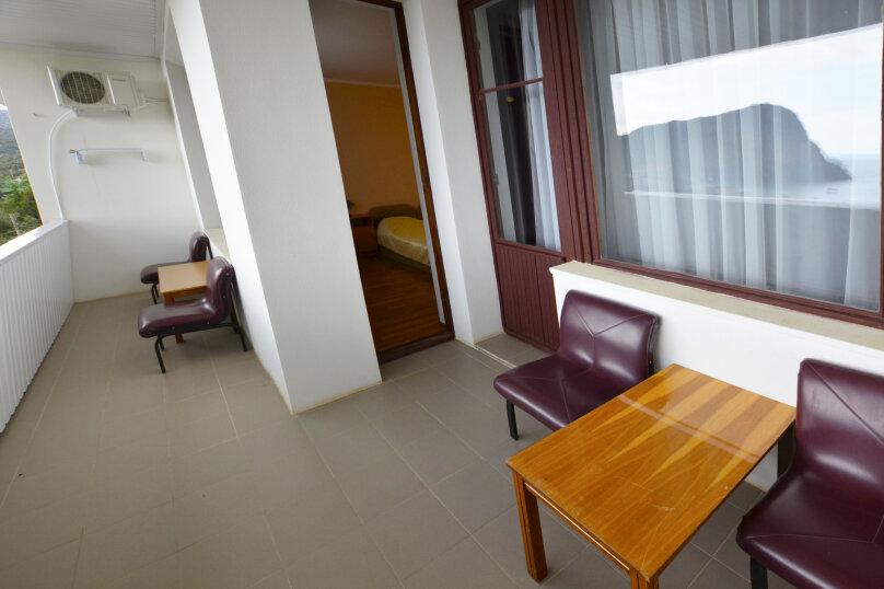 Стандарт В (на два номера общий балкон), улица Голицына, 1, Новый Свет, Судак - Фотография 2
