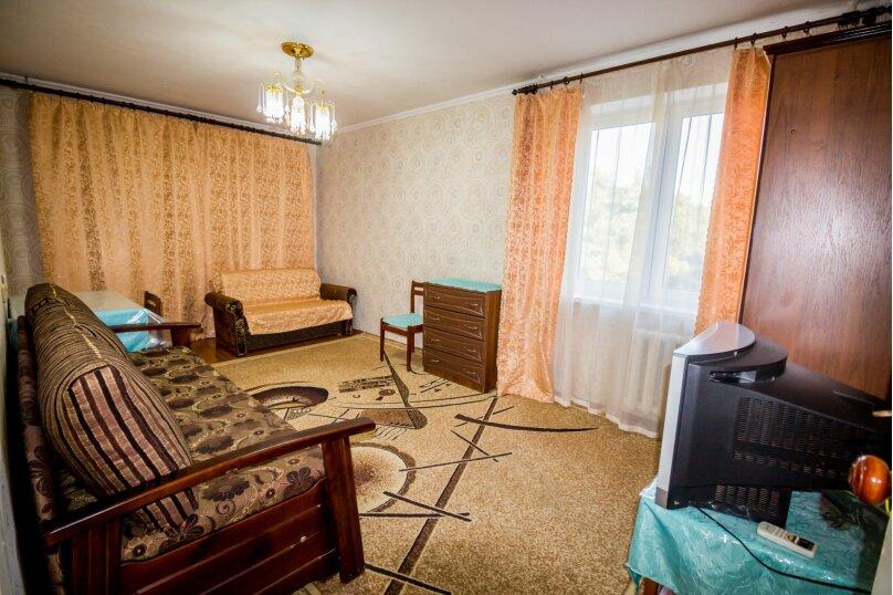 1-комн. квартира, 35 кв.м. на 5 человек, переулок Иванова, 5А, Алушта - Фотография 1