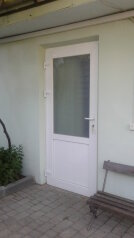Частный дворик в  Феодосии, улица Баранова на 3 номера - Фотография 3