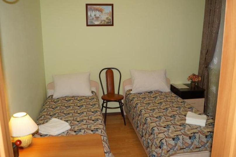 Двухместный номер с 2 отдельными кроватями, Центральная улица, 25, Гатчина - Фотография 1