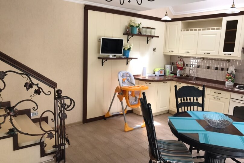 Дом, 90 кв.м. на 5 человек, 2 спальни, улица Гагарина, 4, Евпатория - Фотография 2