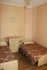 Дом одноэтажный в общем дворе, 45 кв.м. на 7 человек, 2 спальни, Пляжный переулок, 6, Евпатория - Фотография 2