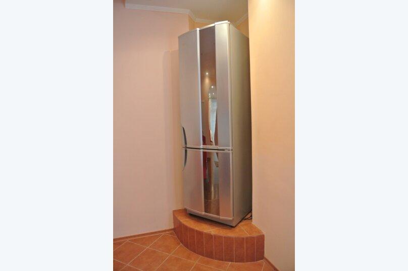 1-комн. квартира, 60 кв.м. на 2 человека, улица Айвазовского, 13, Керчь - Фотография 2