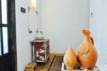 3-комн. квартира, 60 кв.м. на 7 человек, Mirza Fatali Akhundov, 3/10, Тбилиси - Фотография 2