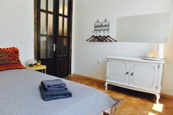 3-комн. квартира, 60 кв.м. на 7 человек, Mirza Fatali Akhundov, Тбилиси - Фотография 4