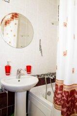 1-комн. квартира, 34 кв.м. на 2 человека, Иртышская набережная, Омск - Фотография 4
