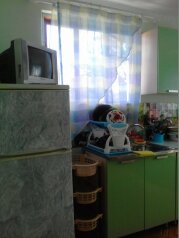 2-комн. квартира, 45 кв.м. на 6 человек, улица Гагарина, Судак - Фотография 1