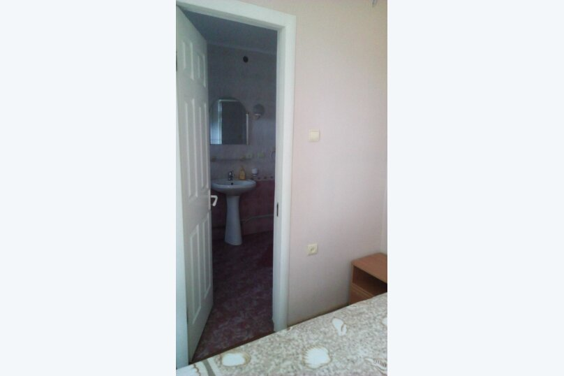 """Гостиница """"На переулке Калинина 2"""", переулок Калинина, 2 на 3 комнаты - Фотография 14"""