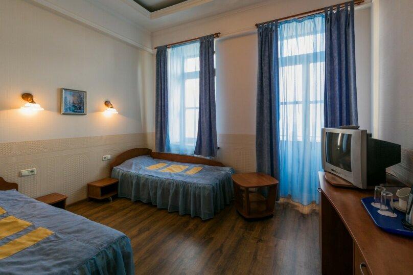 Двухместный номер с двумя односпальными кроватями, улица Калинина, 38, Алупка - Фотография 1