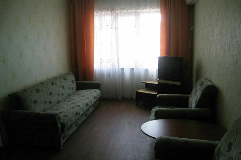 Комната на 3 человека(+2 доп.места) с кухней и сан.узлом., Мопровский переулок, 21, Феодосия - Фотография 1