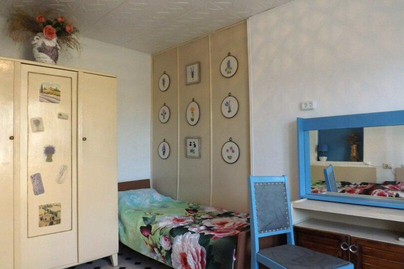 Номер 4-местный с кухней 1-ый этаж, 3-я линия, левая часть, 23, поселок Орджоникидзе, Феодосия - Фотография 2