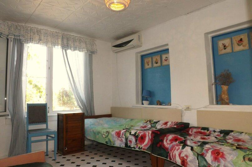 Номер 4-местный с кухней 1-ый этаж, 3-я линия, левая часть, 23, поселок Орджоникидзе, Феодосия - Фотография 1