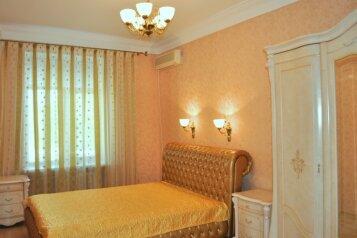 2-комн. квартира, 60 кв.м. на 3 человека, улица Очаковцев, Севастополь - Фотография 1