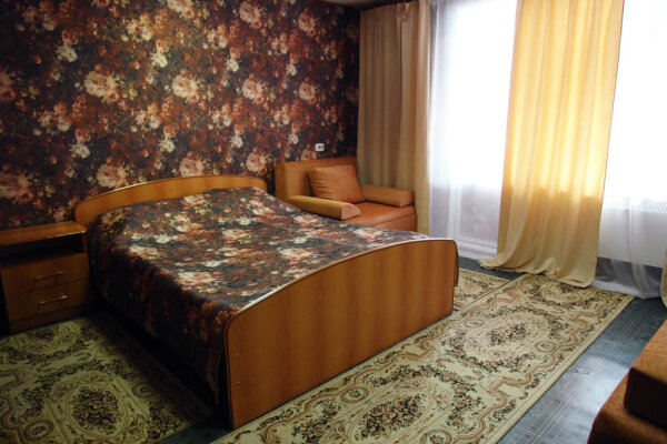 Мини-отель, улица Чичерина, 33В на 4 номера - Фотография 1