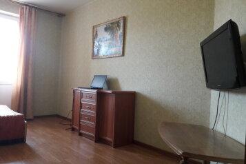 1-комн. квартира, 45 кв.м. на 4 человека, Байкальская улица, 202, Иркутск - Фотография 1