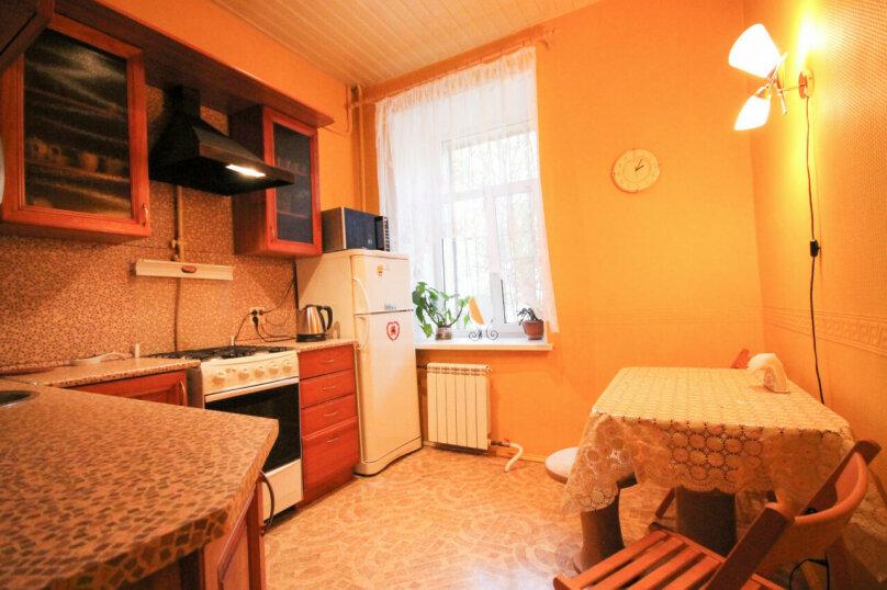 3-комн. квартира, 87 кв.м. на 5 человек, 2-я линия В.О., 35, метро Василеостровская, Санкт-Петербург - Фотография 9