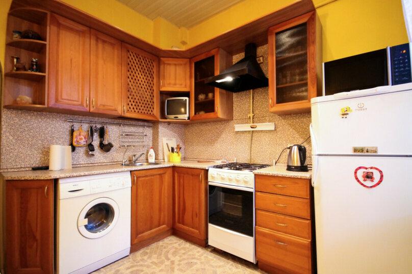 3-комн. квартира, 87 кв.м. на 5 человек, 2-я линия В.О., 35, метро Василеостровская, Санкт-Петербург - Фотография 10