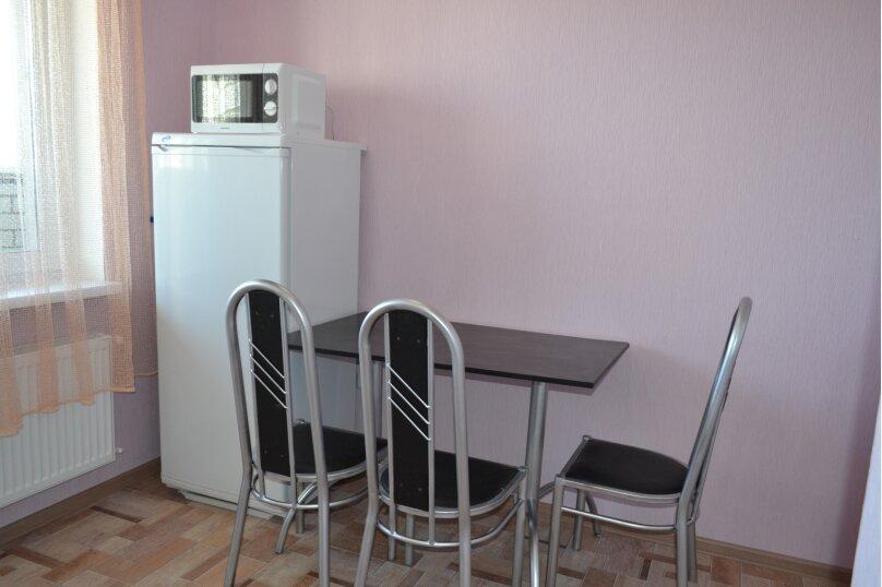 1-комн. квартира, 45 кв.м. на 4 человека, улица Пирогова, 1к6, Чебоксары - Фотография 9