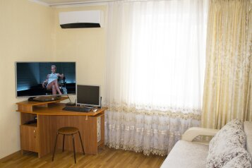 2-комн. квартира, 45 кв.м. на 4 человека, Комарова, 45/1, Туймазы - Фотография 1