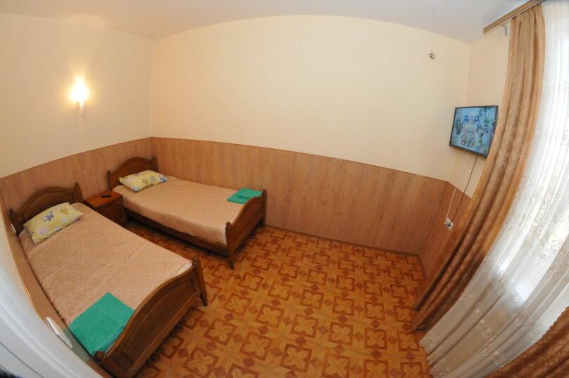 4-х местный номер 2 этаж, Новороссийская улица, 119а, Геленджик - Фотография 4