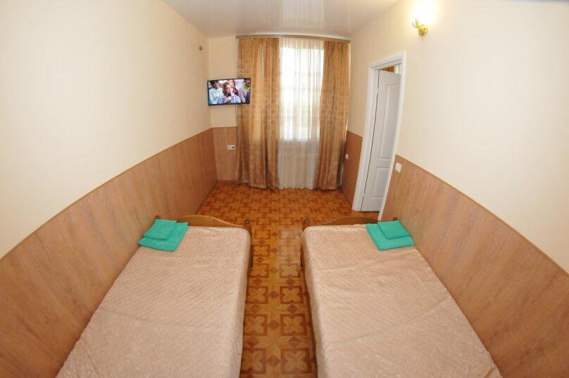 4-х местный номер 2 этаж, Новороссийская улица, 119а, Геленджик - Фотография 5