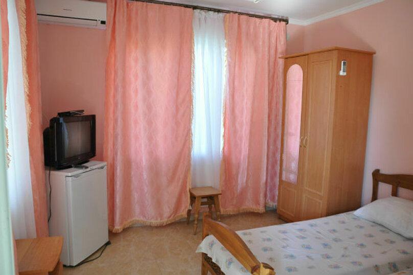 2-комнатный номер 4-х местный, ул.Спендиарова , 6, Судак - Фотография 5