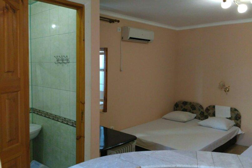 3-местный номер на 2 этаже, ул.Спендиарова , 6, Судак - Фотография 2