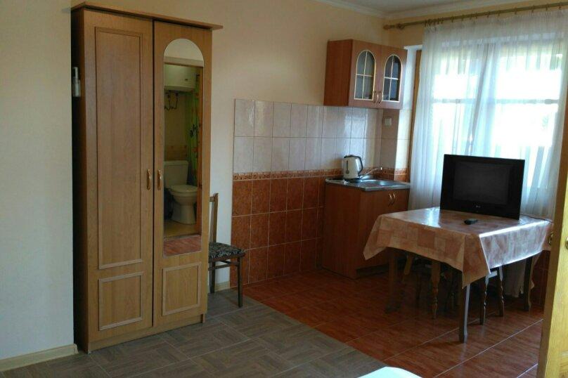 3-местный номер на 3 этаже, ул.Спендиарова , 6, Судак - Фотография 4