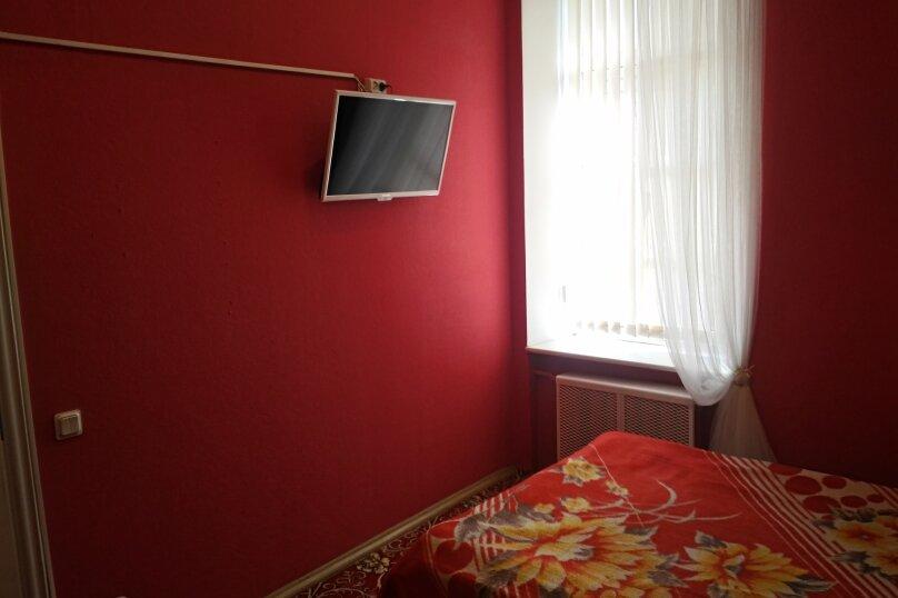 Номер с двухспальной кроватью, Вознесенский проспект, 3-5, Санкт-Петербург - Фотография 1